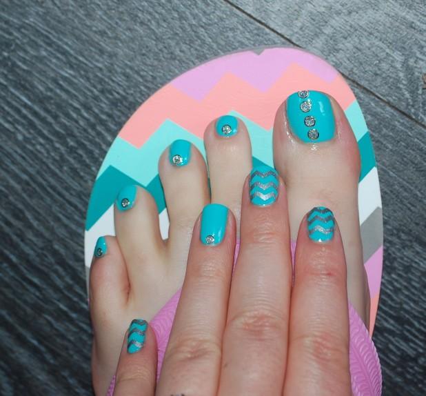 nailstorming salut l'été pieds et mains nailart 9