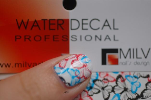 Les jolis Water Decal Papillons bleu et rouge de Praline et compagnie