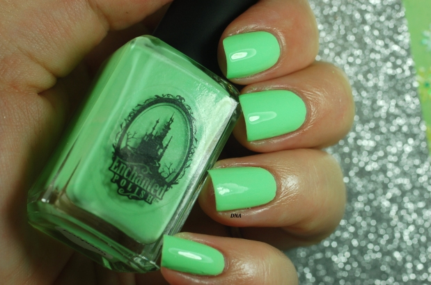 swatch ectoplasm Ecnhanted Polish