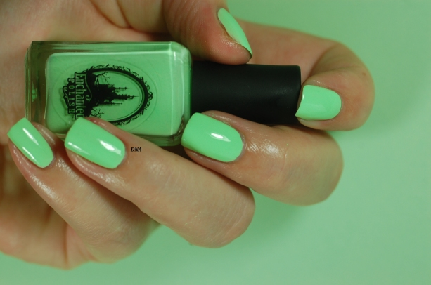 swatch ectoplasm Enchnated Polish
