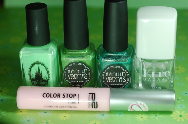 material for gradient neon pastel: Il etait Un Vernis ( matcha doing today + Mint to be Yours) Enchnated Polish Ectoplasm top coat dry Finish KURE Bazar, P2 latex liquid