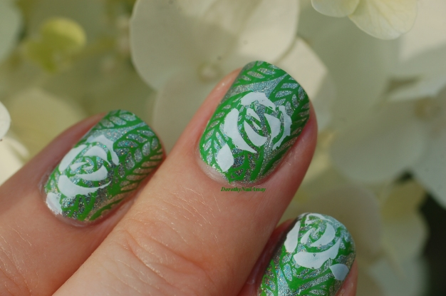 nail art flowers in garden