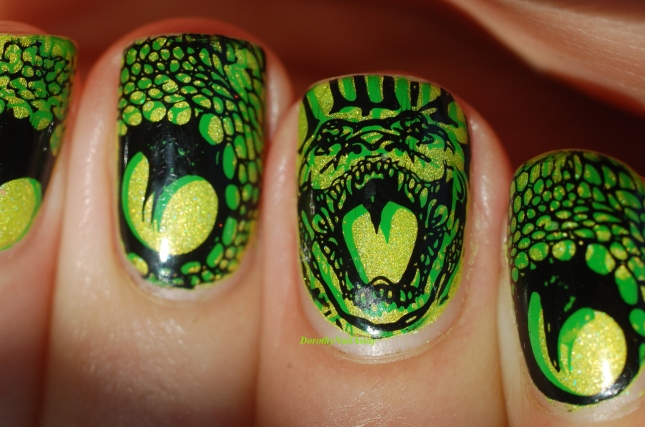 nail art serpent