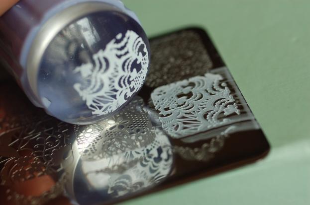 plaque-stamping-dentelle-nee-jolie-