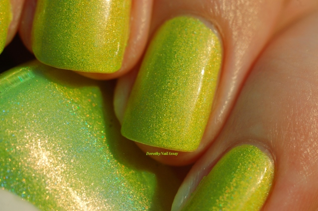 macro swatch zombee lilypad lacquer