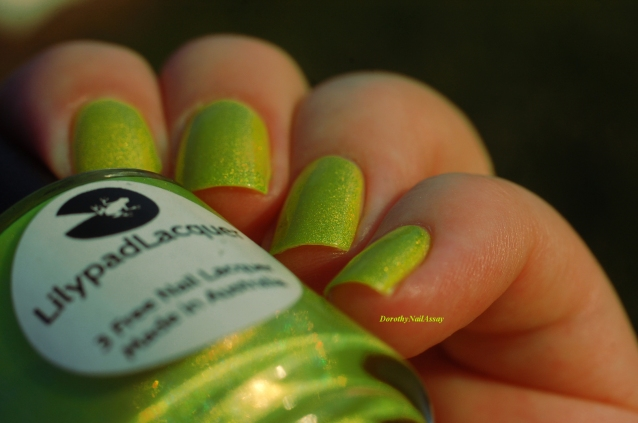 swatch zombee lilypad lacquer indirect light
