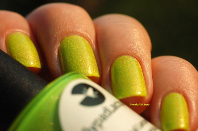 swatch zombee lilypad lacquer sunlight