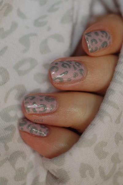 Il Etait Un Vernis Octobre rose nail art