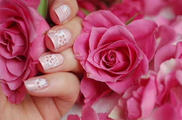 reproduction melyne nail art avec la plaque de stamping Née Jolie Y0003