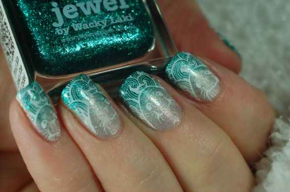 iced-water-nail-art