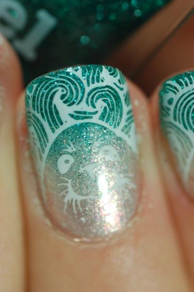 macro-sea-lion-stamping