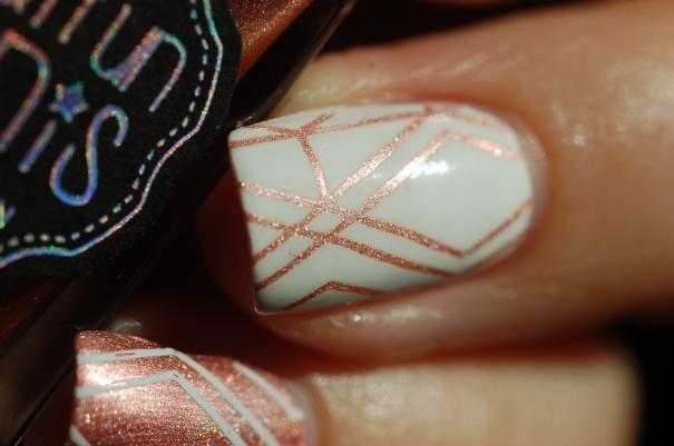 macro nail art geometrique