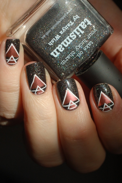 stamping-geometric-picture-polish
