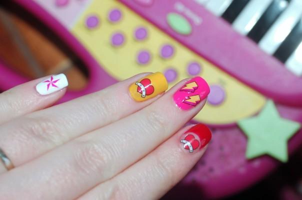 Des ongles pop pour la saint valentin
