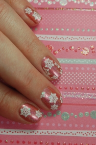 material and méthods JUNE 2013 Enchanted Polish + snowfalkes from @kitmanucure