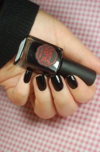 paint in black IL ETAIT UN VERNIS