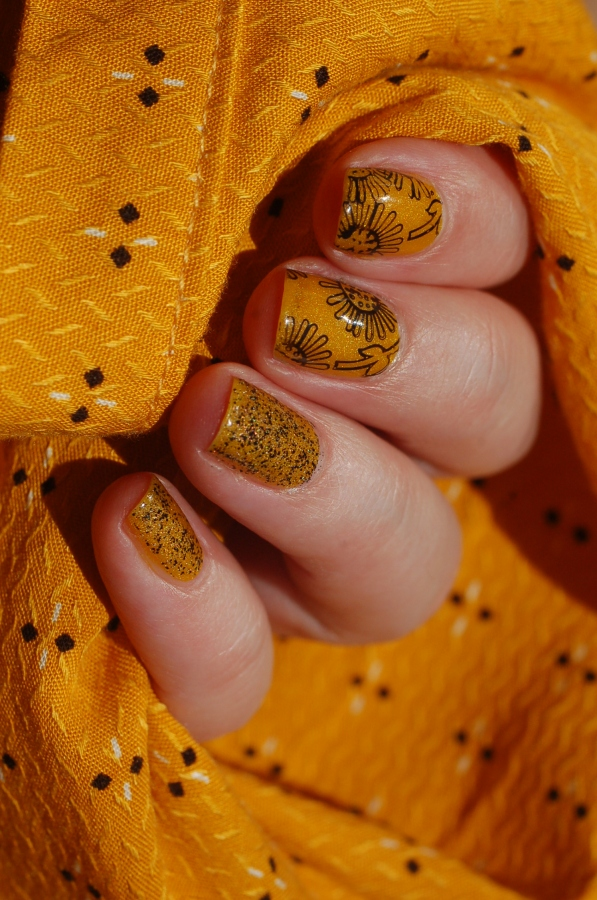 sunflower stamping with IL ETAIT UN VERNIS Hellosunshine